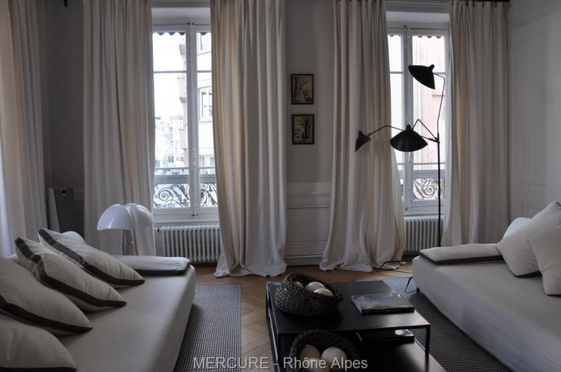 Deluxe sale apartment Lyon 6ème 1 500 000€ - Picture 1