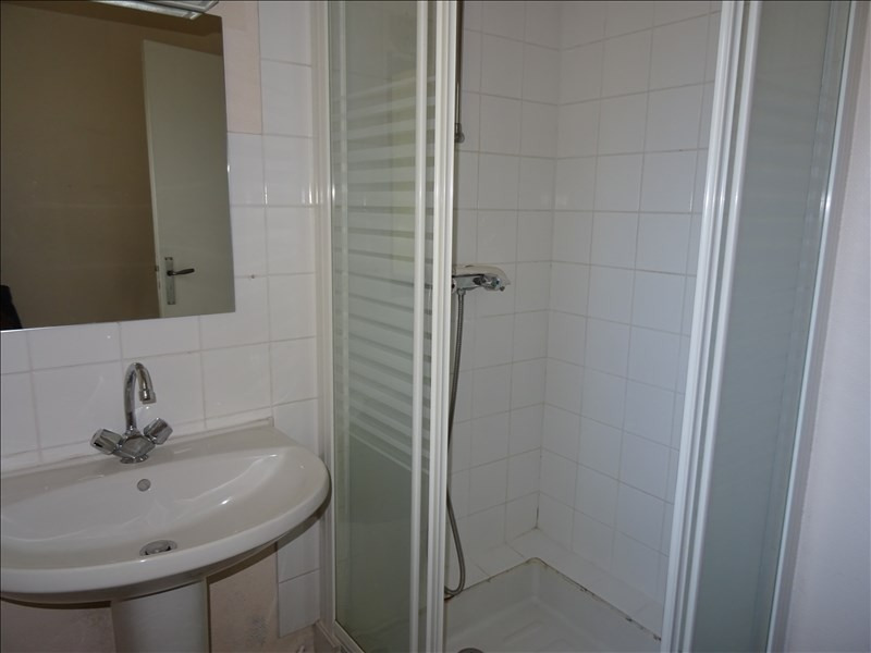 Location appartement Le coteau 390€ CC - Photo 6