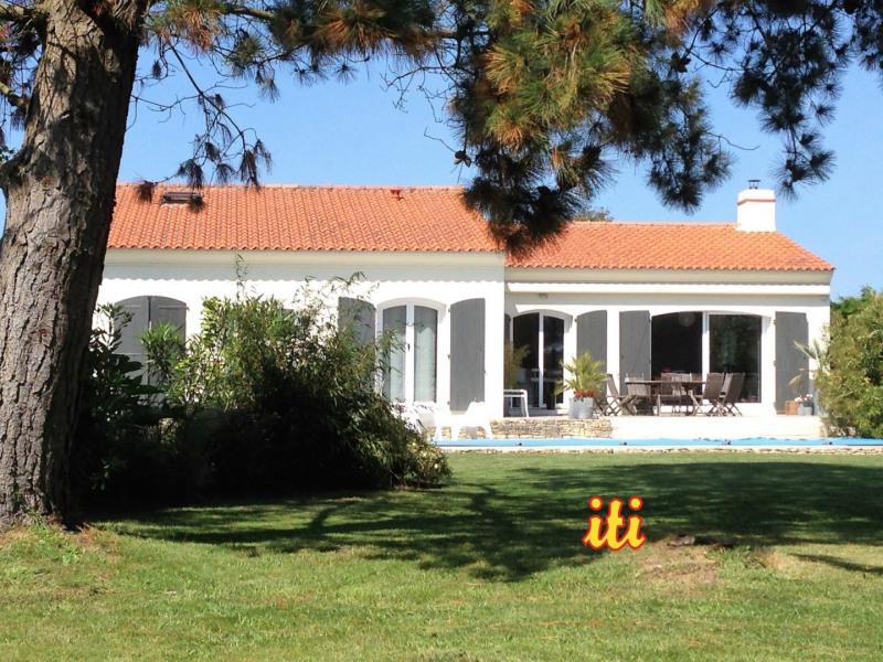 Deluxe sale house / villa Chateau d olonne 551000€ - Picture 1