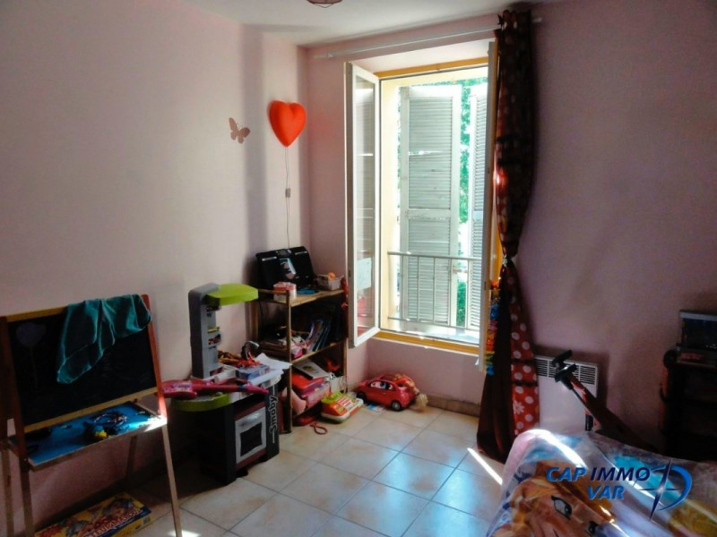 Sale apartment Le beausset 190 000€ - Picture 5