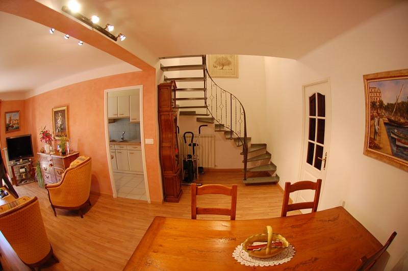 Sale house / villa Six fours les plages 387000€ - Picture 4