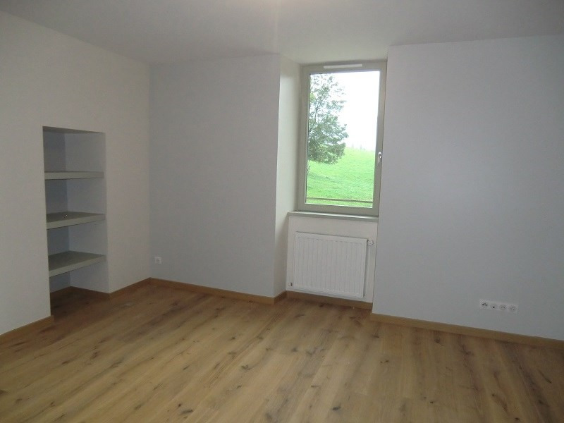 Rental apartment Drumettaz clarafond 1 763€ CC - Picture 2