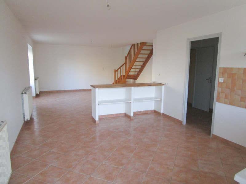 Rental house / villa St pierre de juillers 568€ CC - Picture 4
