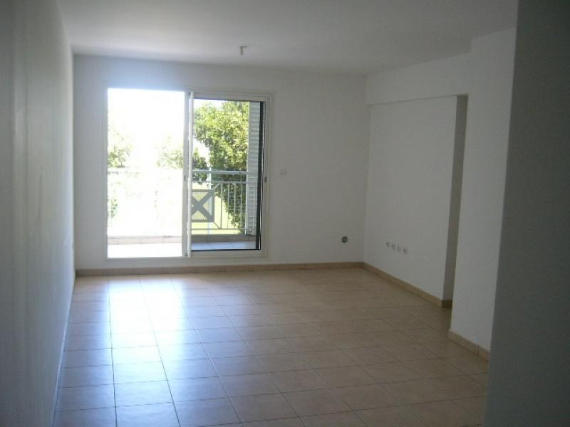 Rental apartment St denis 1 229€ CC - Picture 3