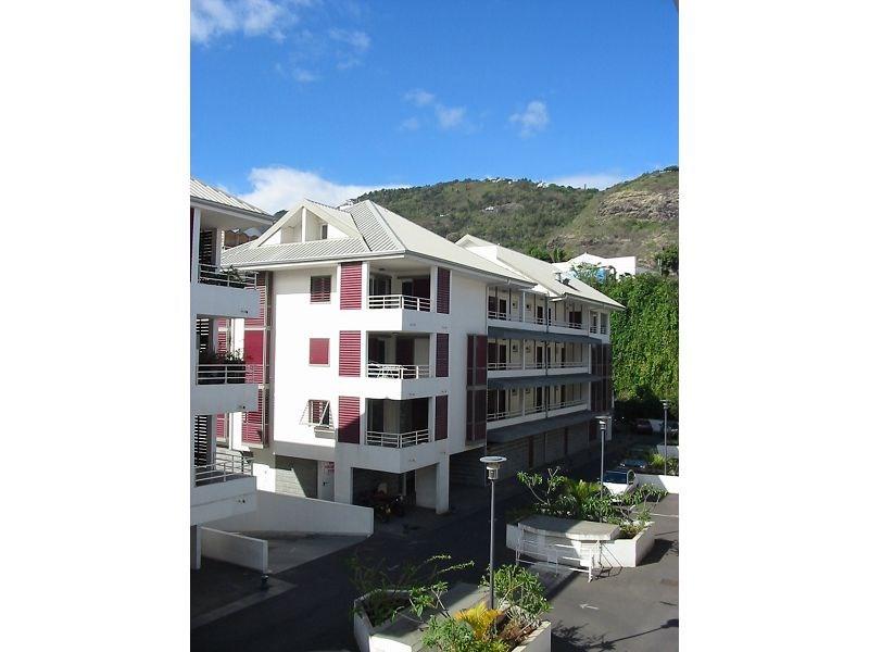 Location appartement St denis 555€ CC - Photo 1