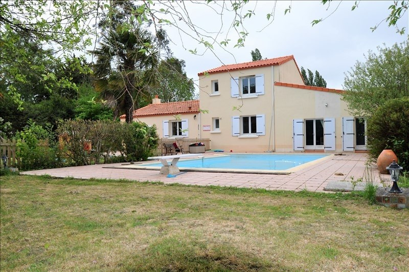 Sale house / villa Vue 282 000€ - Picture 1