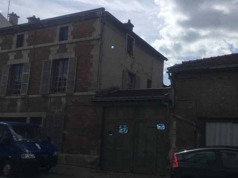 Sale house / villa Châlons-en-champagne 179300€ - Picture 1