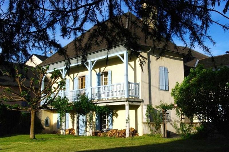 Sale house / villa Louvie juzon 395000€ - Picture 1