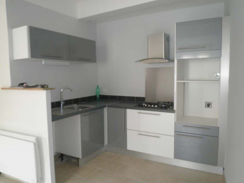 Sale apartment Eyguieres 148 000€ - Picture 1