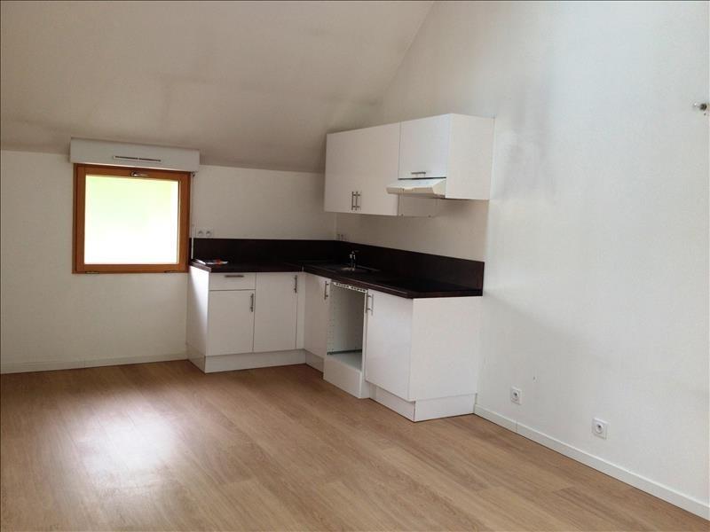 Location appartement Combs la ville 810€ CC - Photo 1