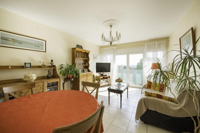 Sale apartment Villeneuve le roi 149 000€ - Picture 1