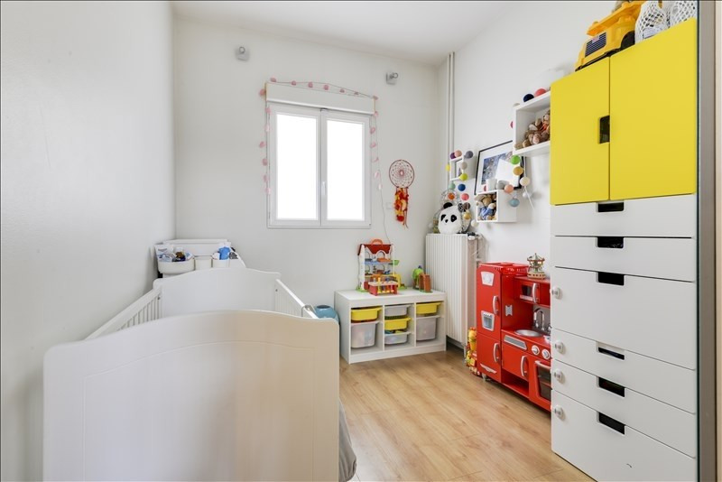 Sale apartment Courbevoie 335000€ - Picture 6