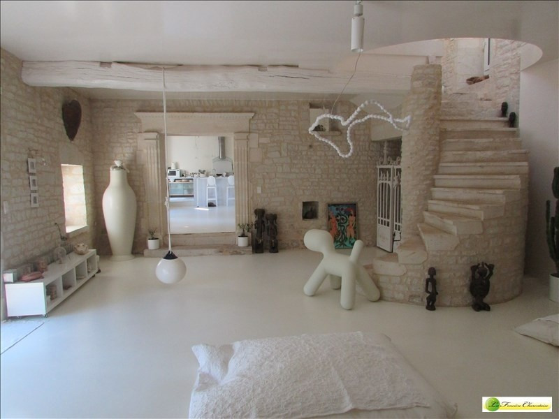 Deluxe sale house / villa Angouleme 430000€ - Picture 2