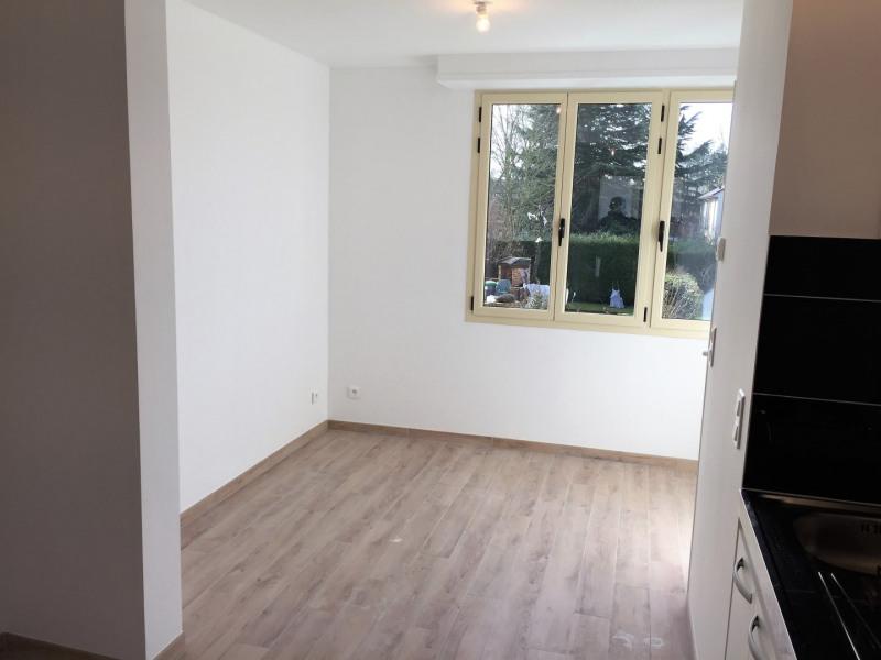 Rental apartment Auvers-sur-oise 565€ CC - Picture 3
