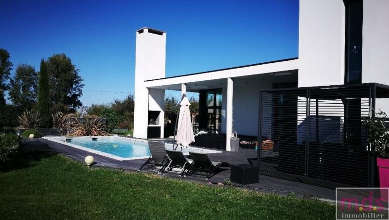Deluxe sale house / villa Proche castelginest 649000€ - Picture 1