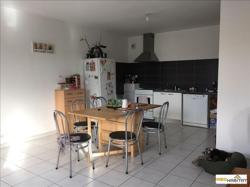 Location maison / villa Romille 830€ CC - Photo 3