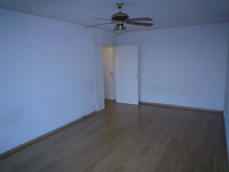 Rental apartment Andresy 800€ CC - Picture 2