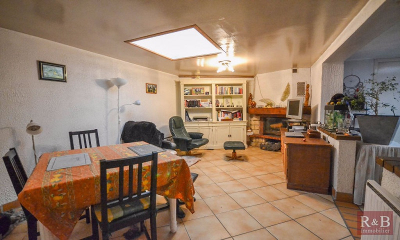 Sale apartment Villepreux 220 000€ - Picture 1