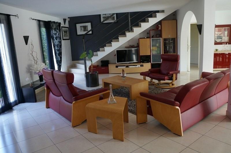 Vente de prestige maison / villa Cherves richemont 628950€ - Photo 2