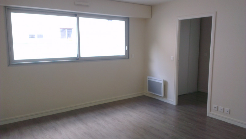Location appartement Paris 9ème 4 780€ CC - Photo 5