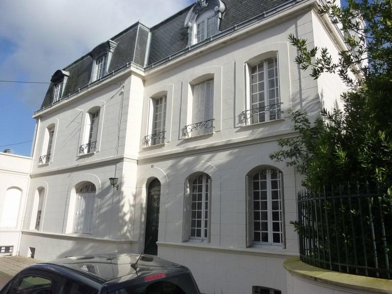 Sale house / villa Coutances 490900€ - Picture 1