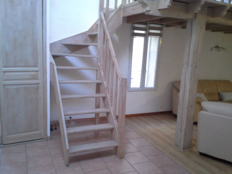 Rental apartment Lambesc 750€ CC - Picture 1