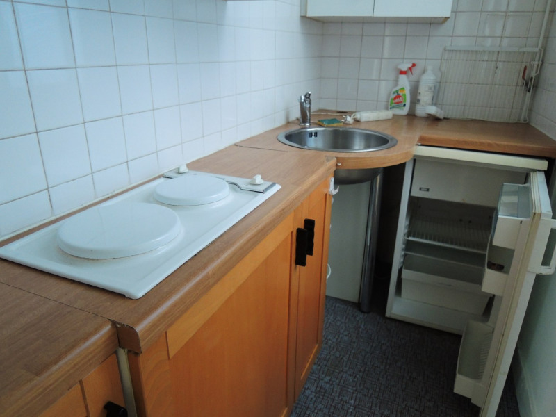 Location appartement Paris 8ème 850€ CC - Photo 7