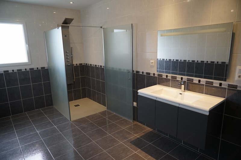 Sale house / villa Montlieu la garde 252000€ - Picture 5