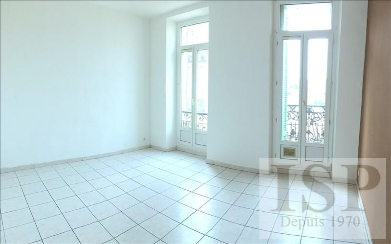 Location appartement Marseille 5ème 614€ CC - Photo 1
