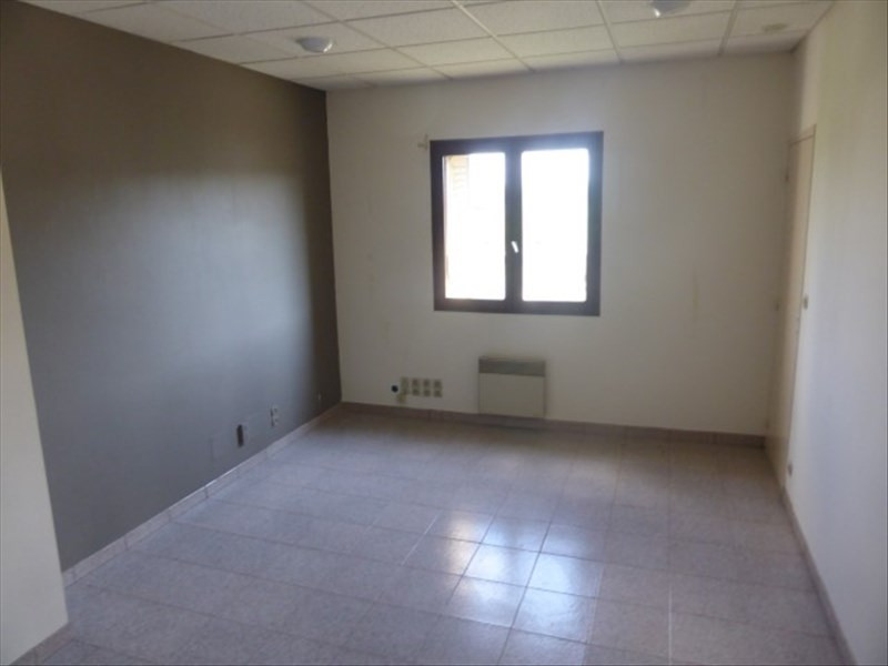 Location local commercial Tonnerre 1 200€ HT/HC - Photo 2
