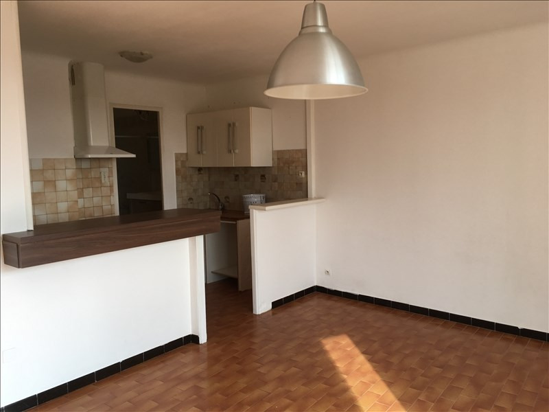 Location appartement Pelissanne 655€ CC - Photo 2