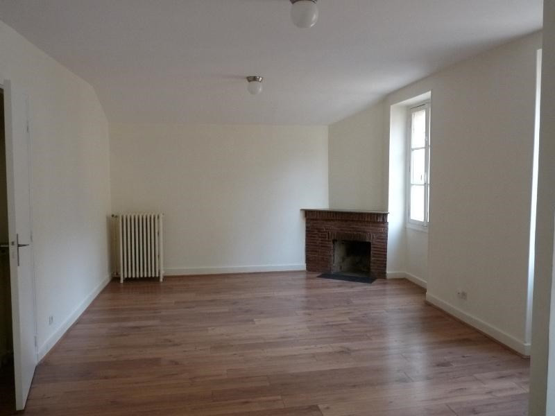 Rental apartment Medan 980€ +CH - Picture 2