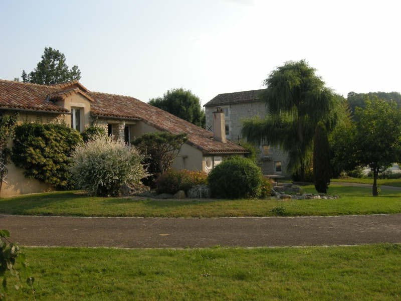 Vente maison / villa Bonnes 525 000€ - Photo 1