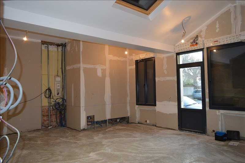 Sale loft/workshop/open plan St maur des fosses 296800€ - Picture 2