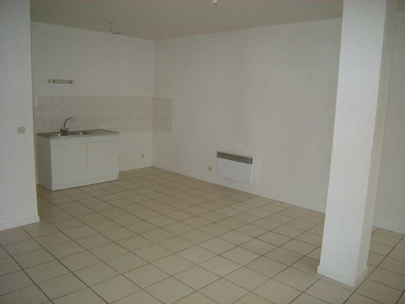 Location appartement Chatellerault 410€ CC - Photo 2