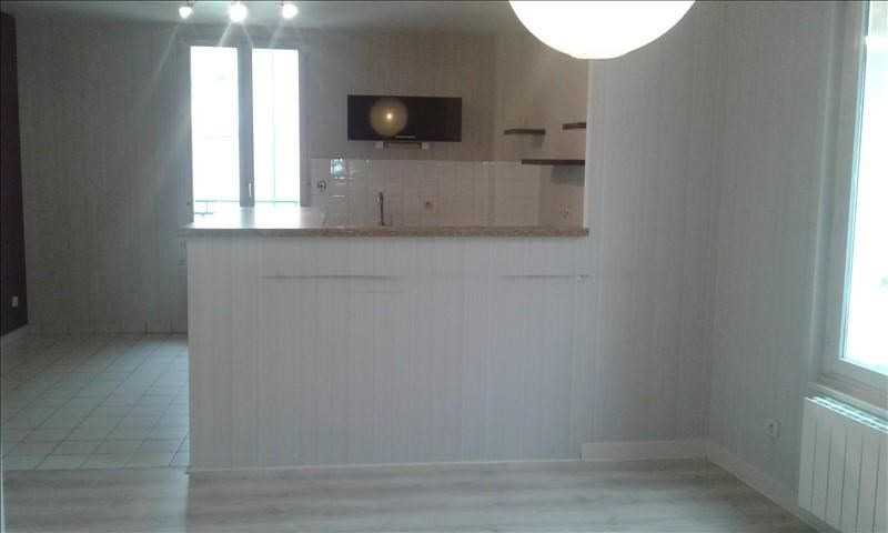Verhuren  appartement St genis laval 690€ CC - Foto 1