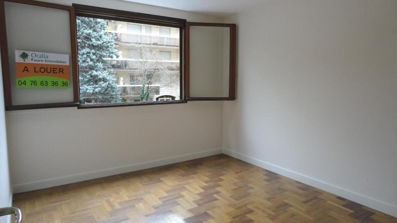 Location appartement Grenoble 745€ CC - Photo 4