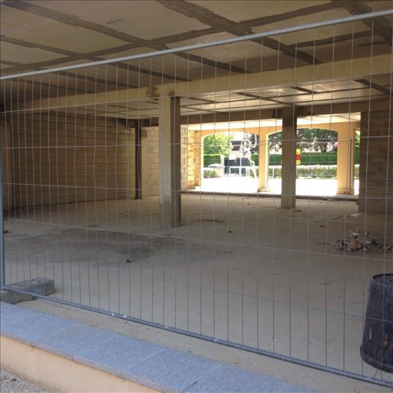 Sale empty room/storage Villejust 210000€ - Picture 1