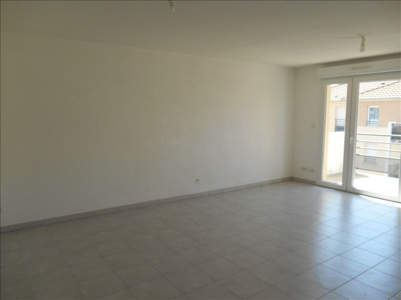 Rental apartment Sainte savine 620€ CC - Picture 4