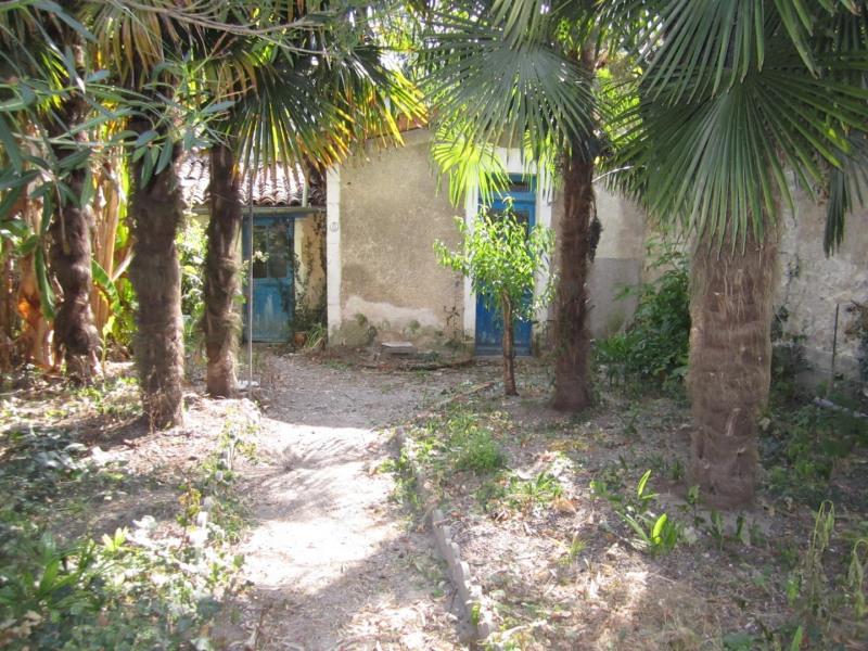 Sale house / villa Barbezieux saint hilaire 66000€ - Picture 2