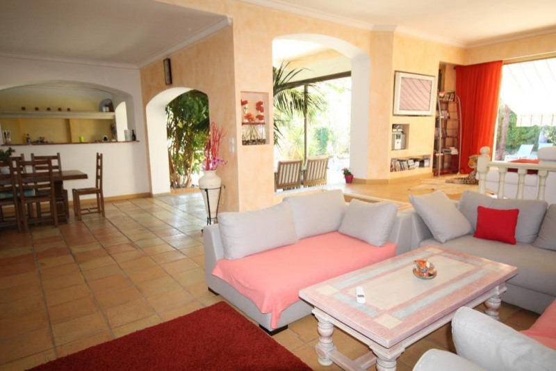 Deluxe sale house / villa Juan-les-pins 1 890 000€ - Picture 4