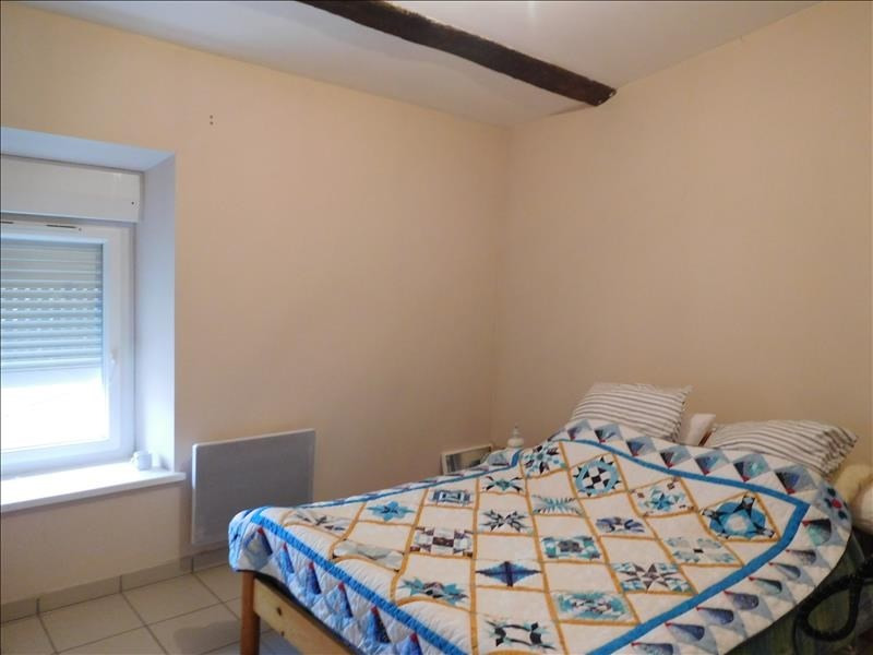 Rental apartment St andre de cubzac 556€ CC - Picture 2