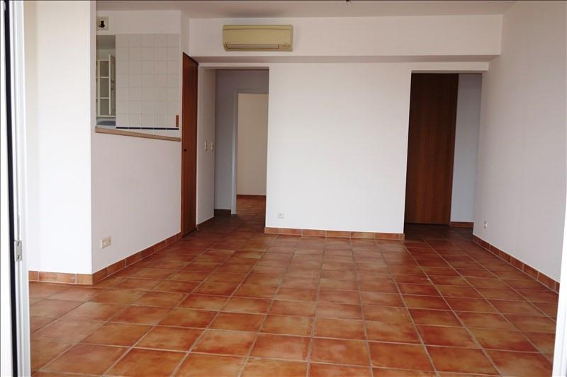 Location appartement La londe les maures 922€ CC - Photo 4