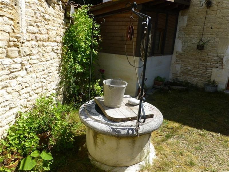 Sale house / villa Saint-jean-d'angély 48000€ - Picture 5