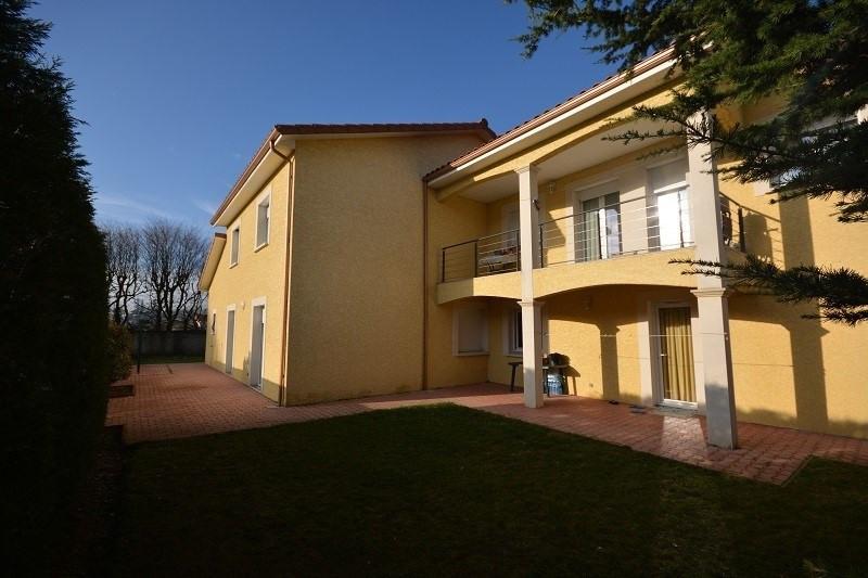 Deluxe sale house / villa St jean de bournay 630000€ - Picture 2