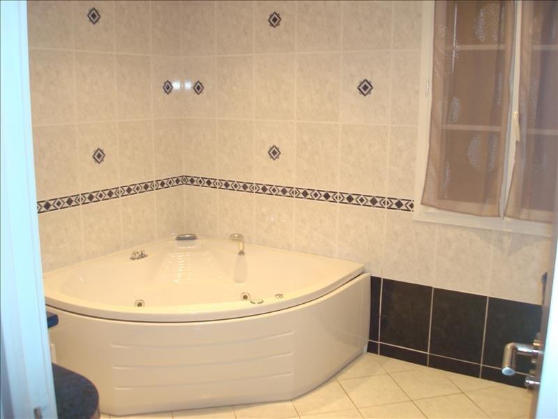 Sale house / villa St pierre le moutier 298000€ - Picture 6