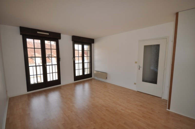 Location appartement Auxerre 359€ CC - Photo 1