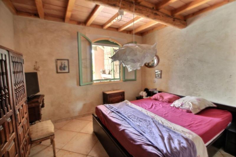 Vente maison / villa Montfrin 337000€ - Photo 10