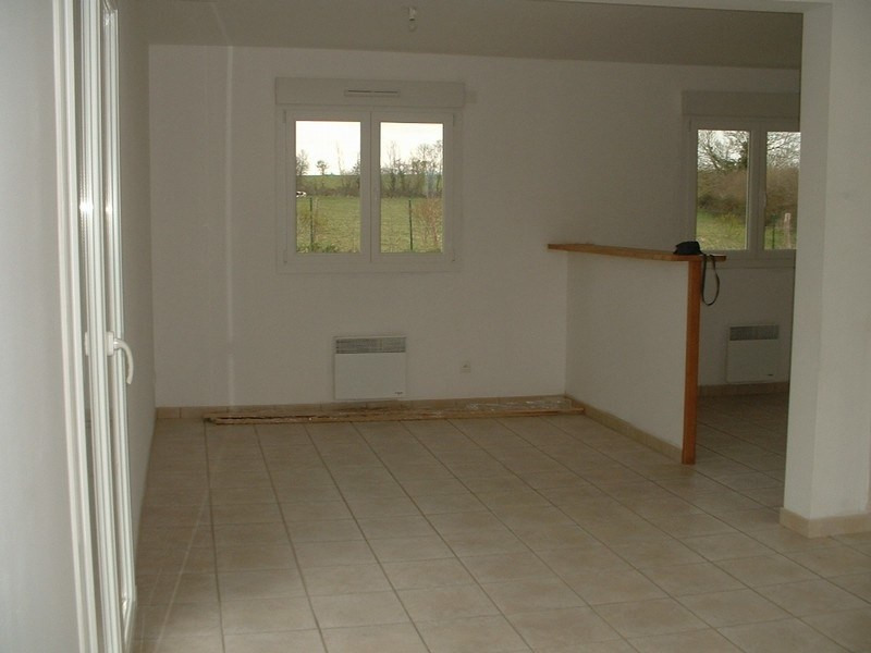 Location maison / villa St germain du pert 650€ +CH - Photo 3