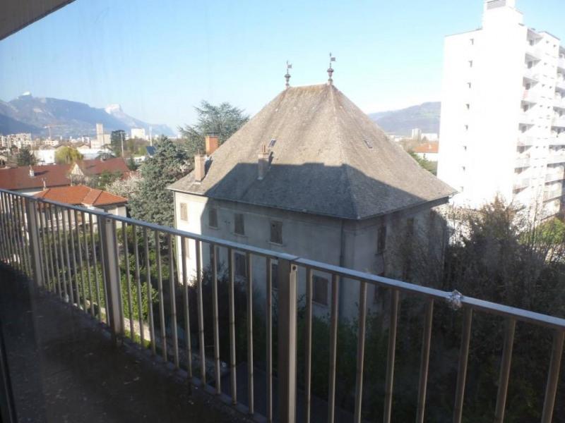 Location appartement Le pont-de-claix 380€ CC - Photo 2
